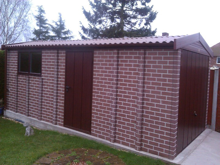 BROWN BRICK APEX ROOF GARAGE